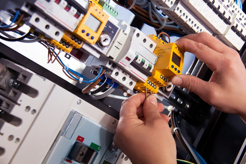 Luton-Electricians - Local Electrician in Luton